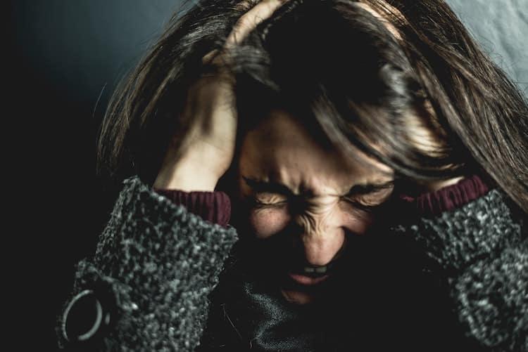 Epuisement professionnel menant au burn out. L'aide d'un psychologue pour s'en sortir. Une thérapie cognitivo-comportementale sera conseillée.